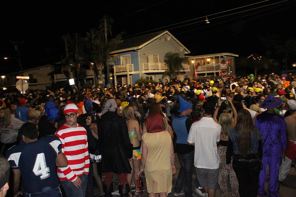 halloween in isla vista - Uc Santa Barbara Halloween